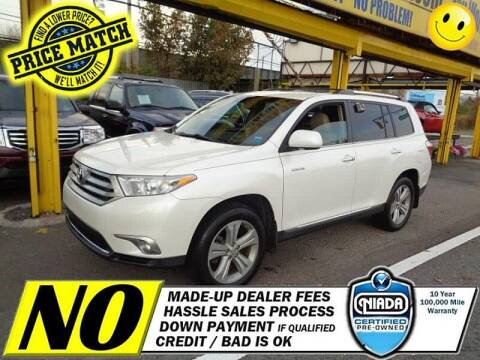 2013 Toyota Highlander for sale at AUTOFYND in Elmont NY