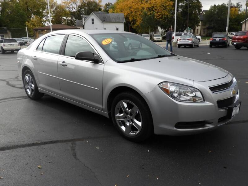 2012 Chevrolet Malibu for sale at Grant Park Auto Sales in Rockford IL