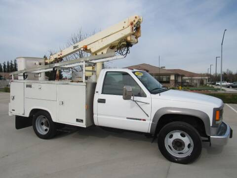 2001 GMC Sierra 3500 for sale at 2Win Auto Sales Inc in Oakdale CA