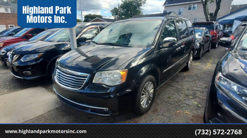 2013 Chrysler Town and Country for sale at Highland Park Motors Inc. in Highland Park NJ