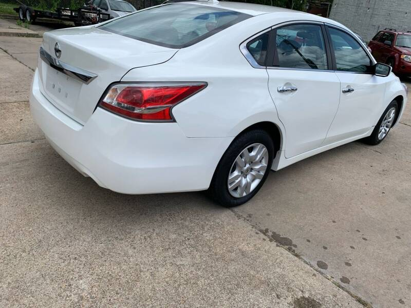 2015 Nissan Altima for sale at Whites Auto Sales in Portsmouth VA