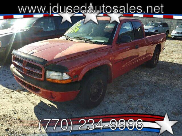 2000 Dodge Dakota for sale at J D USED AUTO SALES INC in Doraville GA
