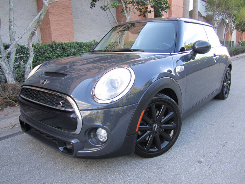 2014 MINI Hardtop for sale at FLORIDACARSTOGO in West Palm Beach FL