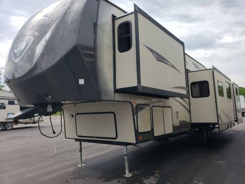 2014 Forest River heritage Glen 366BH for sale at Ultimate RV in White Settlement TX