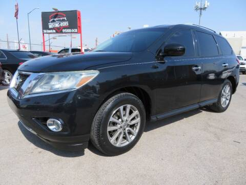 2015 Nissan Pathfinder for sale at Moving Rides in El Paso TX