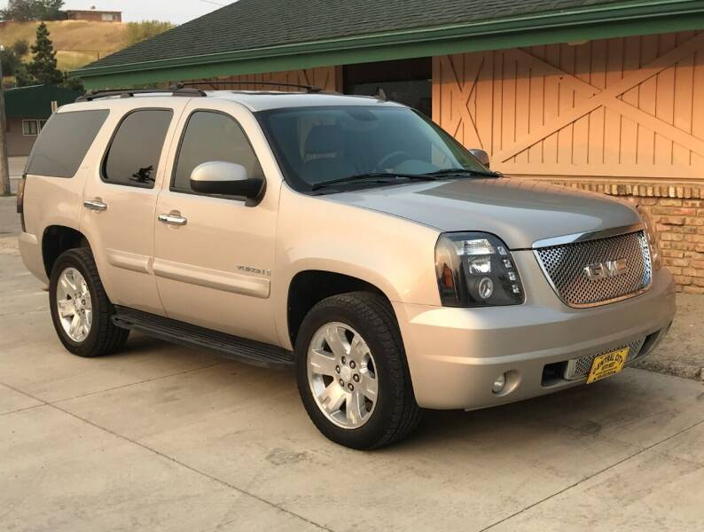 2008 GMC Yukon for sale at Central City Auto West in Lewistown MT