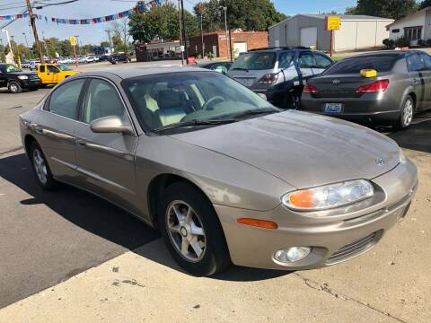 2001 Oldsmobile Aurora for sale at Wise Investments Auto Sales in Sellersburg IN