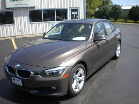 2013 BMW 3 Series for sale at AUTO MART in Oshkosh WI