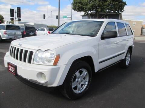 2007 Jeep Grand Cherokee for sale at SCHULTZ MOTORS in Fairmont MN
