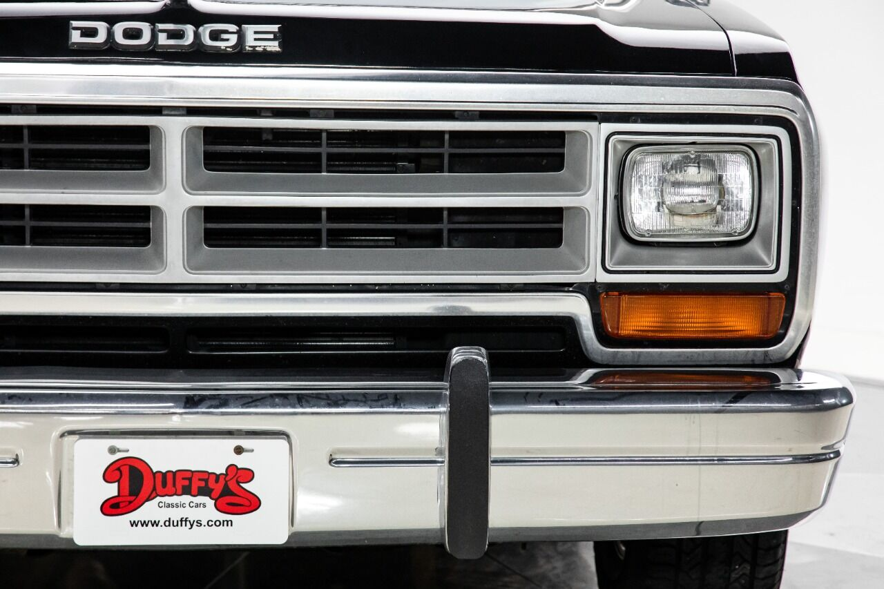 1989 Dodge Ramcharger 23