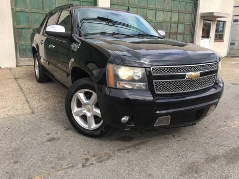 2008 Chevrolet Avalanche for sale at Illinois Auto Sales in Paterson NJ