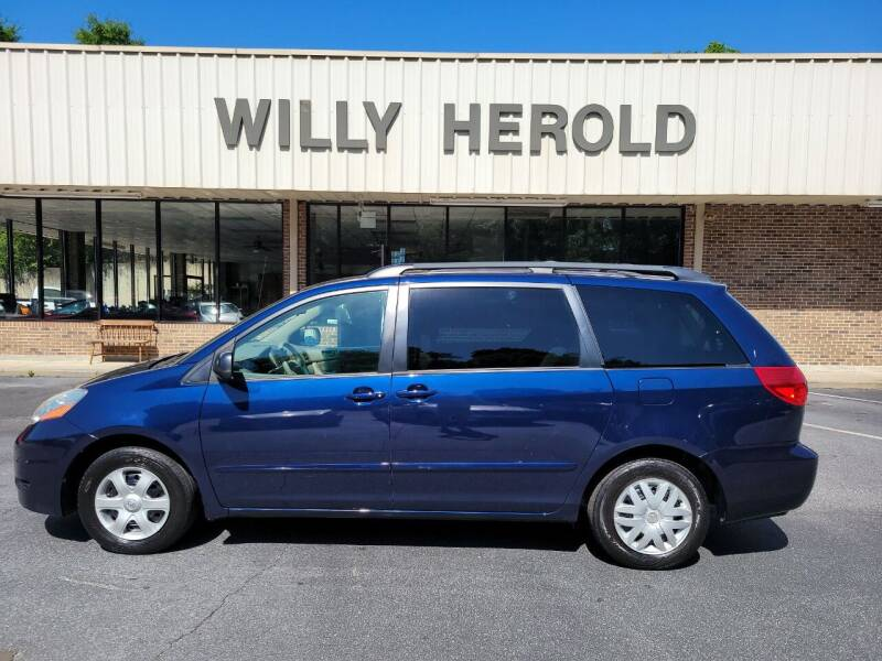 2007 Toyota Sienna for sale at Willy Herold Automotive in Columbus GA