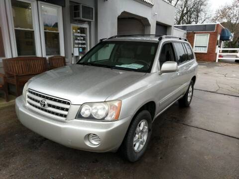 2002 Toyota Highlander for sale at ROBINSON AUTO BROKERS in Dallas NC