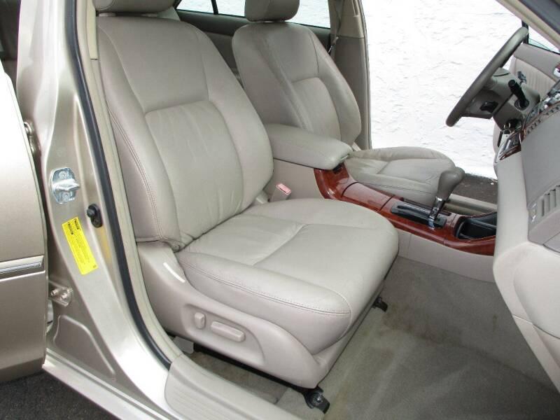 2003 Toyota Camry XLE 4dr Sedan - Levittown PA