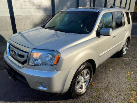 2010 Honda Pilot for sale at APX Auto Brokers in Lynnwood WA