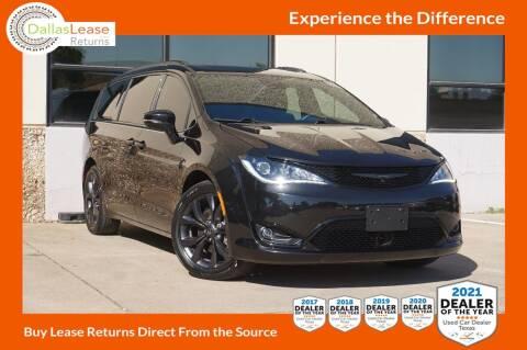 2018 Chrysler Pacifica for sale at Dallas Auto Finance in Dallas TX