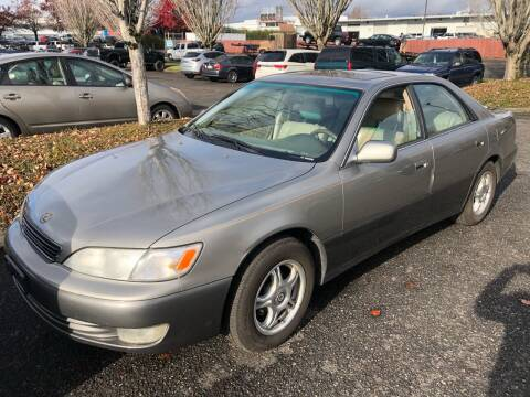 1998 Lexus ES 300 for sale at Blue Line Auto Group in Portland OR