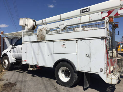 2003 Ford F-750 Super Duty for sale at BSA Used Cars in Pasadena TX