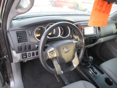 2014 Toyota Tacoma for sale at Aztec Motors in Des Moines IA