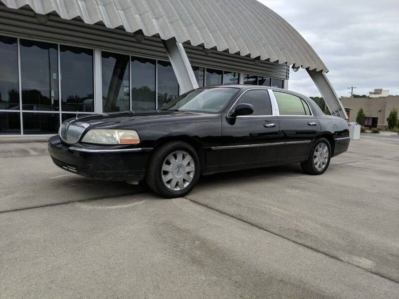 2006 Lincoln Town Car for sale at Middle Man Auto Sales in Savannah GA