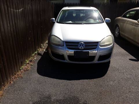 2007 Volkswagen Jetta for sale at GALANTE AUTO SALES LLC in Aston PA