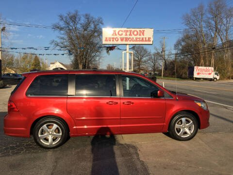 2009 Volkswagen Routan for sale at Action Auto Wholesale in Painesville OH