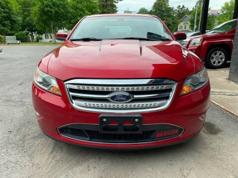 2010 Ford Taurus for sale at Apple Auto Sales Inc in Camillus NY