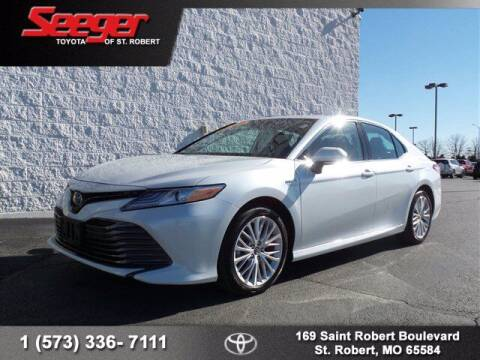 2019 Toyota Camry Hybrid for sale at SEEGER TOYOTA OF ST ROBERT in St Robert MO