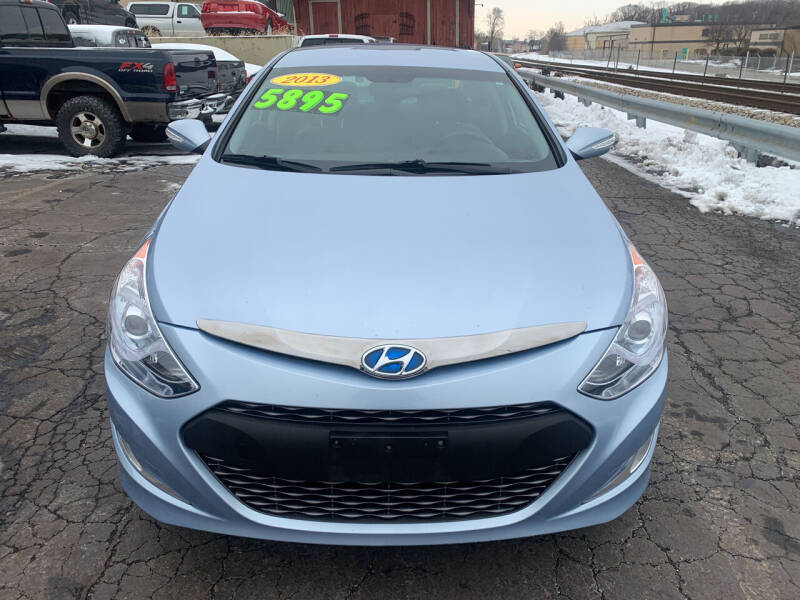 2013 Hyundai Sonata Hybrid for sale at Discovery Auto Sales in New Lenox IL