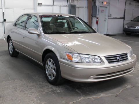 2000 Toyota Camry for sale at FUN 2 DRIVE LLC in Albuquerque NM