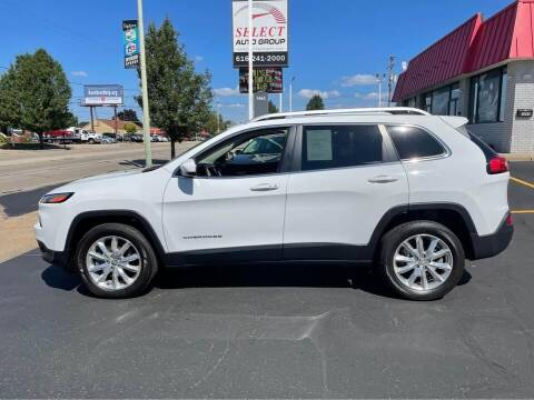 2017 Jeep Cherokee for sale at Select Auto Group in Wyoming MI