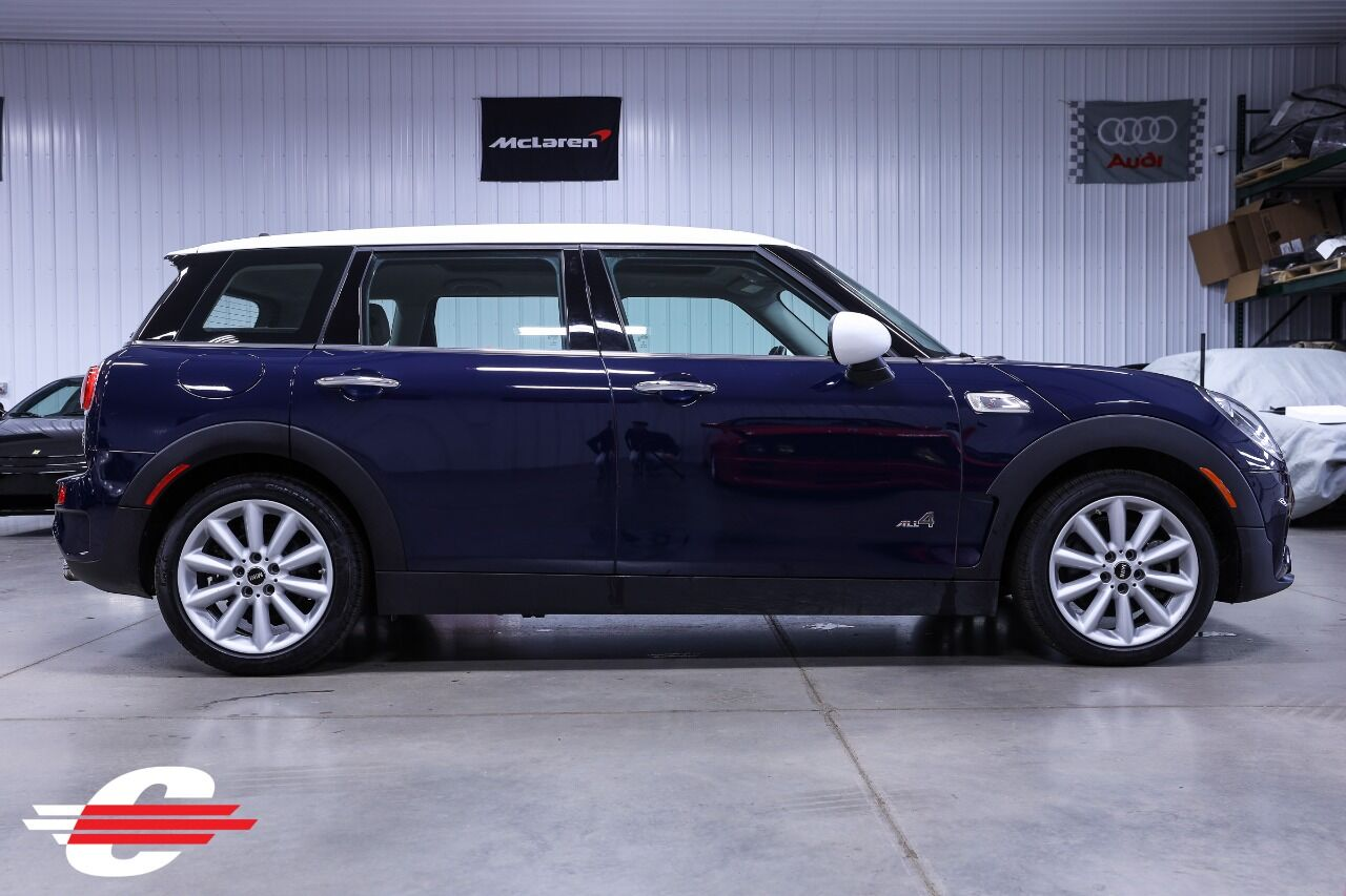 View large image: 2017 MINI Clubman