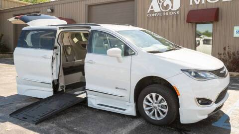 2017 Chrysler Pacifica for sale at A&J Mobility in Valders WI