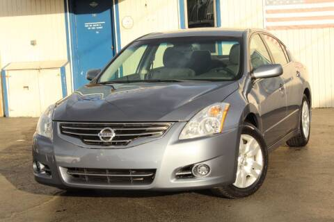 2012 Nissan Altima for sale at Dynamics Auto Sale in Highland IN
