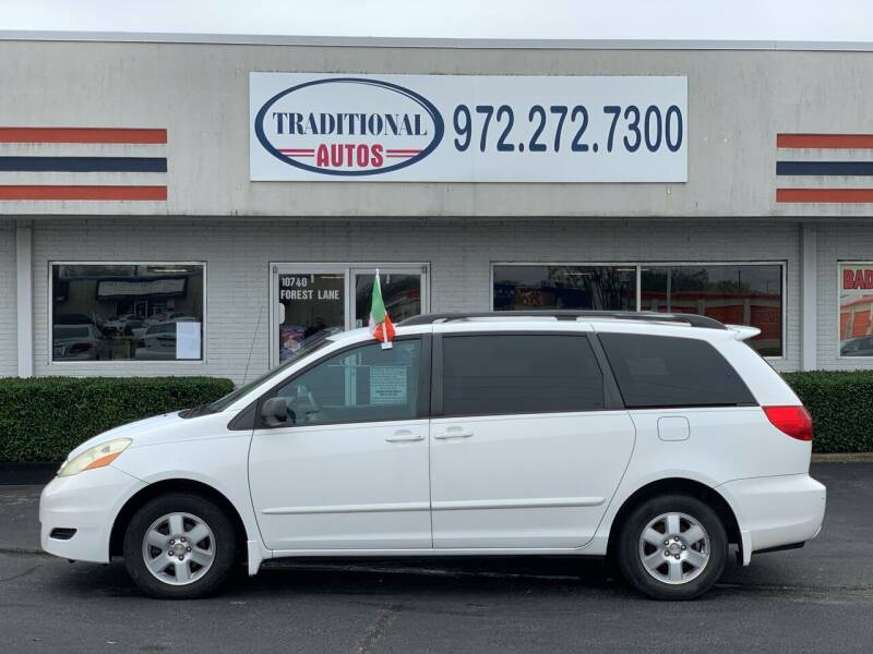 2006 Toyota Sienna for sale at Traditional Autos in Dallas TX