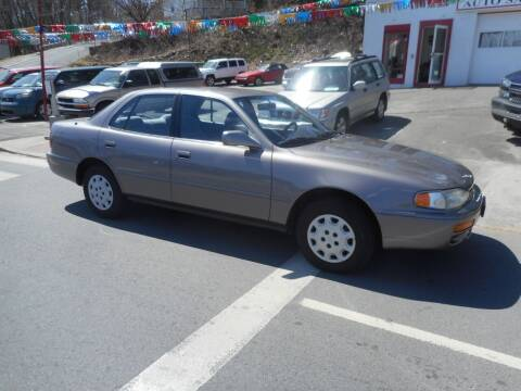 1995 Toyota Camry for sale at Ricciardi Auto Sales in Waterbury CT