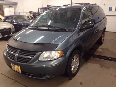 2005 Dodge Grand Caravan for sale at MR Auto Sales Inc. in Eastlake OH