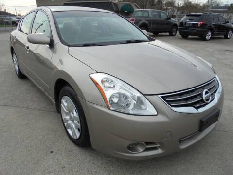 2012 Nissan Altima for sale at PIONEER AUTO SALES LLC in Cleveland TN