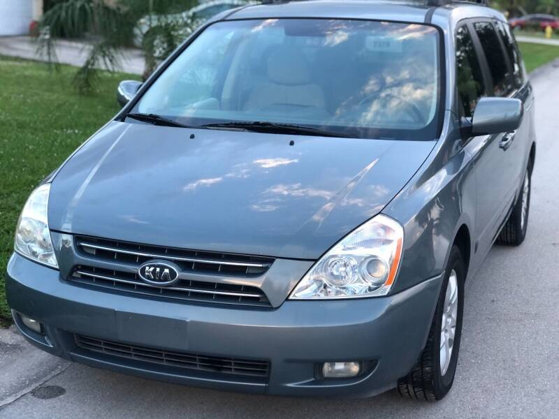 2009 Kia Sedona for sale at Internet Motorcars LLC in Fort Myers FL
