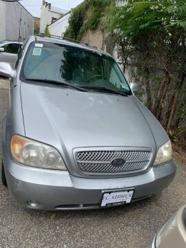 2005 Kia Sedona for sale at GARET MOTORS in Maspeth NY