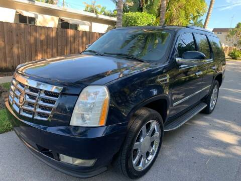 2008 Cadillac Escalade for sale at FINANCIAL CLAIMS & SERVICING INC in Hollywood FL