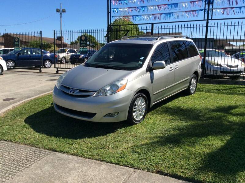 2010 Toyota Sienna for sale at Car City Autoplex in Metairie LA