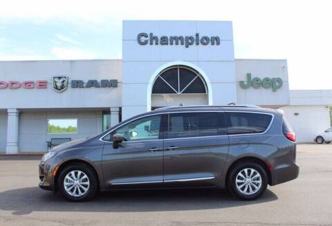 2018 Chrysler Pacifica for sale at Champion Chevrolet in Athens AL