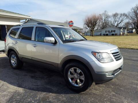 2009 Kia Borrego for sale at CALDERONE CAR & TRUCK in Whiteland IN