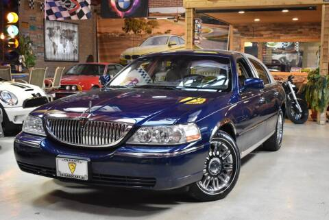 2007 Lincoln Town Car for sale at Chicago Cars US in Summit IL