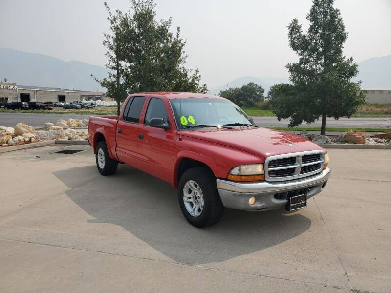 2004 Dodge Dakota for sale at FRESH TREAD AUTO LLC in Springville UT