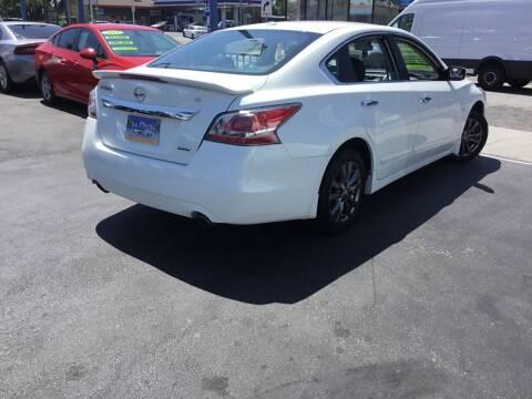 2015 Nissan Altima for sale at LA PLAYITA AUTO SALES INC in South Gate CA