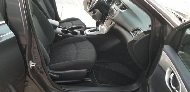 2013 Nissan Sentra SR 4dr Sedan - Hampshire IL
