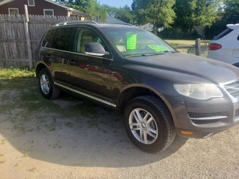 2009 Volkswagen Touareg 2 for sale at Northwoods Auto & Truck Sales in Machesney Park IL