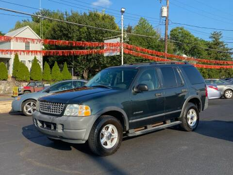 2004 Ford Explorer for sale at FIESTA MOTORS in Hagerstown MD